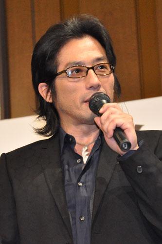 トーク中の真田広之さん