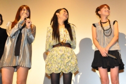 『『SとM』舞台挨拶で川村りか、超ミニスカの中もお披露目!』