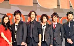 『水嶋ヒロ、佐藤健らが『BECK』会見。ギター演奏も「完璧!」と堤監督』