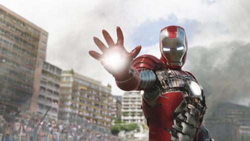 『『アイアンマン2』が大ヒット。週末3日間で3億4000万円の興収を記録!』