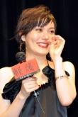 『大胆ヌードを披露するなど体当たり演技の鈴木杏「胸がいっぱい」と舞台挨拶で涙』