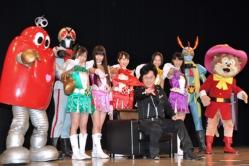 『アニソン帝王の水木一郎とももいろクローバーZのライブに観客総立ち!』