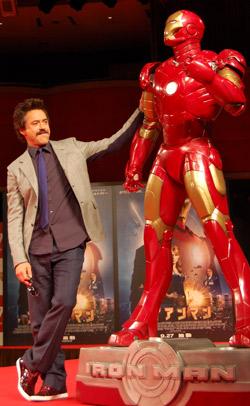 『『アイアンマン』で来日したロバート・ダウニーJr.が40代男性に向けエール!?』