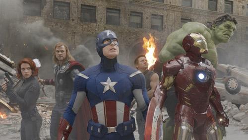 『『ハリポタ』抜いた! 『アベンジャーズ』が全米歴代1位のオープニング記録を樹立』