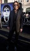 『盟友バートン監督とジョニー・デップが最新作『ダーク・シャドウ』プレミアに登場!』