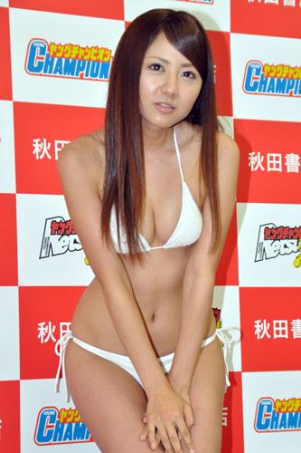 『「ミスヤングチャンピオン」グランプリは16歳、17歳、23歳のスレンダー美女!』