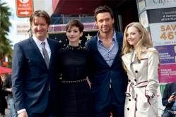 『ヒュー・ジャックマンがハリウッドの殿堂入り。『レ・ミゼラブル』の共演者も祝福!』