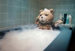 『R指定の洋画でコメディという当たりにくいハンデ乗り越え『テッド』が首位スタート!』