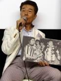 『和製ドラゴン・倉田保昭、ブルース・リーとの2ショット写真を手に思い出振り返る』