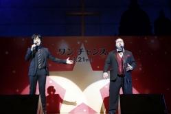 『大人気オペラ歌手ポール・ポッツ、日本語挨拶を通訳さんに日本語訳され苦笑い』