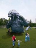 『この夏、都会のど真ん中にゴジラの巨大オブジェが登場!』