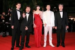 『是枝裕和監督が3度目のカンヌ映画祭参加。拍手喝采で受賞の期待も!』