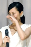 『市川由衣、8年ぶりの単独主演作『海を感じる時』の舞台挨拶で感動の涙!』