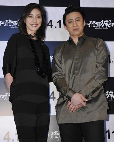 『天海祐希、『阿修羅城の瞳 2003』舞台挨拶で12年前の映像に「若かったねぇ!」』