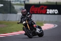 『バイク好きキアヌ・リーヴスが鈴鹿サーキットを走行!』