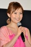 『安倍なつみが山崎育三郎と結婚「明るくてあたたかい家庭を築いていければ」』