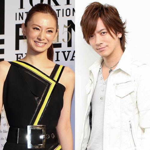 『北川景子とDAIGOが結婚「笑顔のたえないロックでうぃっしゅな家庭を」』