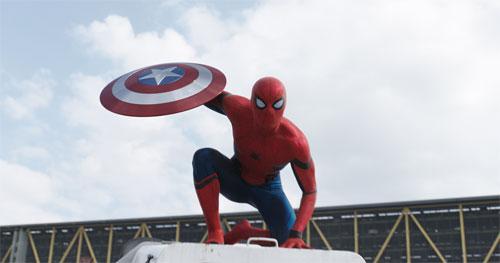 『アベンジャーズの世界にスパイダーマンが参戦!証拠となる予告編解禁』