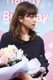 『川口春奈、22歳誕生日のサプライズに感涙!スキマスイッチが「奏」熱唱!』