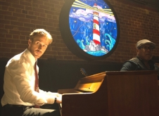 『3ヵ月でここまで上達!? ライアン・ゴズリングのピアノの腕前がスゴ過ぎる!』