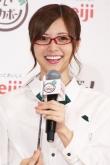 『乃木坂46・白石麻衣の知的なメガネ姿が美しい!』
