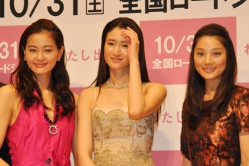 『夢にお金を貸さない日本がイヤ。小雪主演作で、監督が主張』