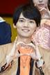 『菅田将暉&土屋太鳳ら『とな怪』メンバー、春らしい衣装でランウェイ闊歩』