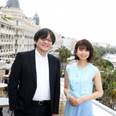 『細田守監督&上白石萌歌がカンヌ入り!『未来のミライ』上映後には大きな拍手』