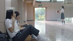 『神木隆之介演じる高杉くんと中川大志扮する細杉くんがバスケに挑戦!au新CM』