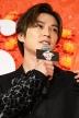 『新田真剣佑、1人で舞台挨拶に登壇しインフル欠席のリベンジはたす!』