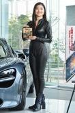 『土屋太鳳の姉・土屋炎伽、超高級車にウットリ!お迎えされたら「ワクワクしちゃう」』