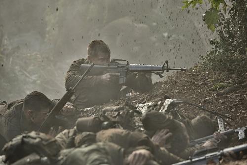 『108人対2000人、ベトナム戦争の知られざる激戦描く『デンジャー・クロース 極限着弾』予告編解禁』