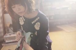 『宮崎あおいがギター演奏、アジカン書き下ろし曲も熱唱!』